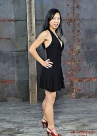 Pics: Tia Ling busty Asiatische ist Gebunden in.., Tia